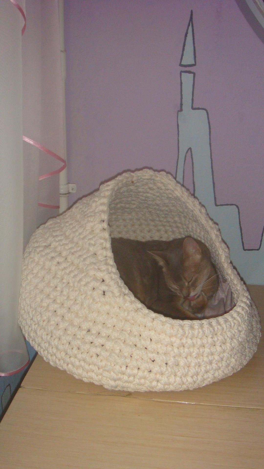 вязаная крючком корзинка домик для кошки шнуры для рукоделия